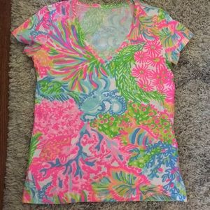 NWOT Lilly Pulitzer Michele V Neck Tee